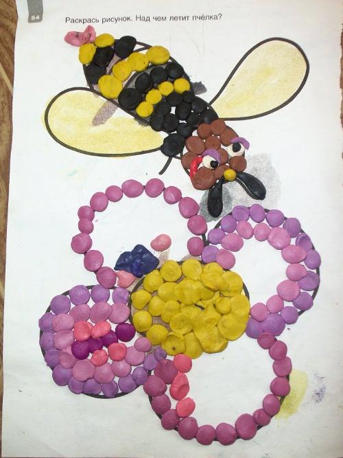 аппликация пластилин пчелка