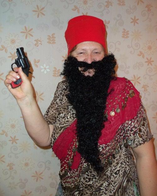новогодний костюм для бабушки пират