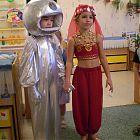маскарадные костюмы восточная красавица и космонавт