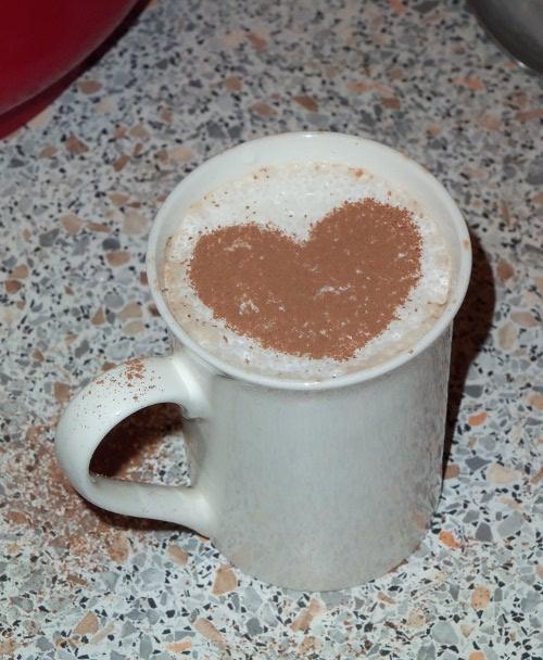 нарисовать сердце на кофе