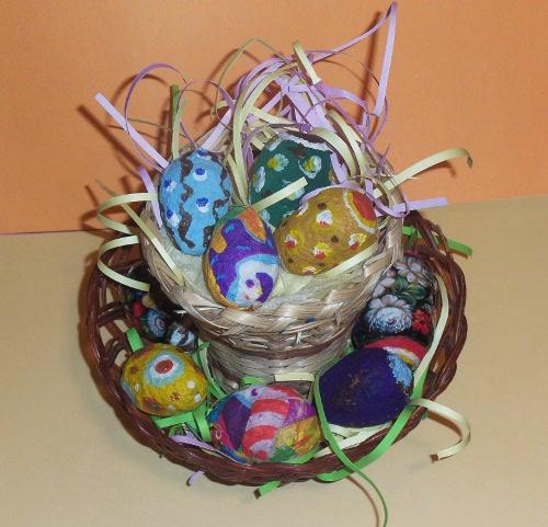 пасха декор корзинка с яйцами