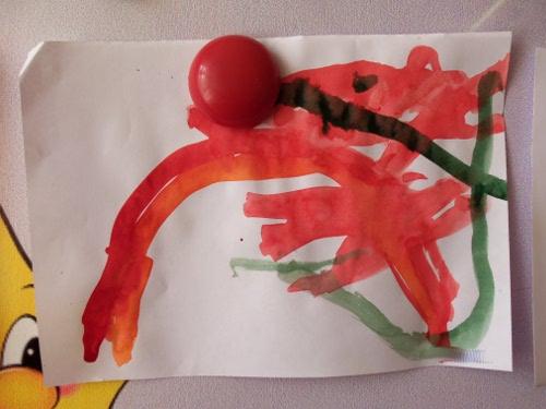 как дети рисуют радугу
