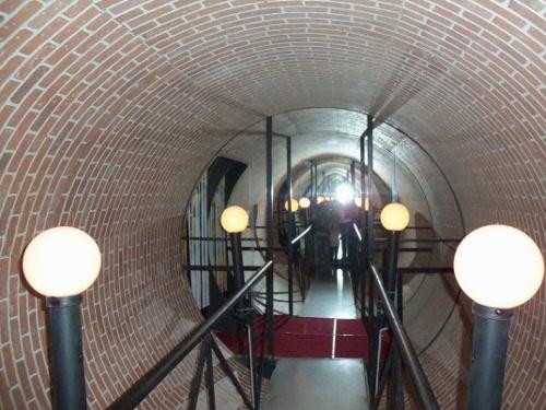 вращающийся туннель