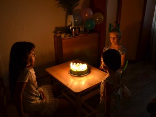 задувание свечей