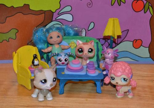 игрушки в сказочной гостиной доча и мама