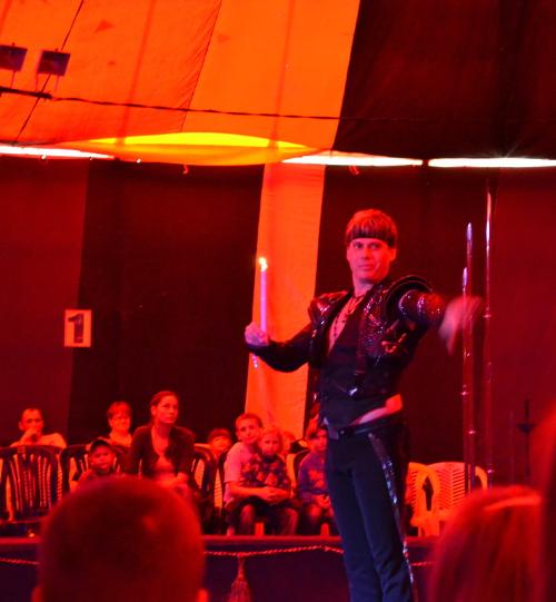 цирк свеча в воздухе