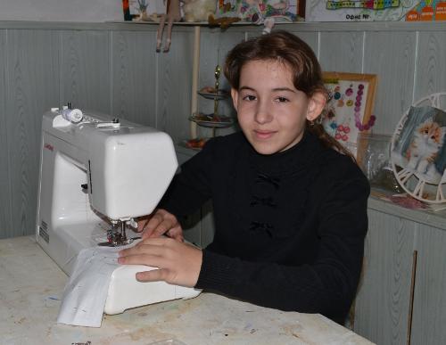 со швейной машинкой