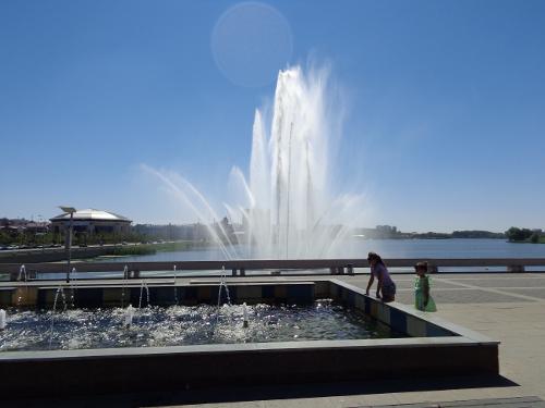 фонтан на воде казань
