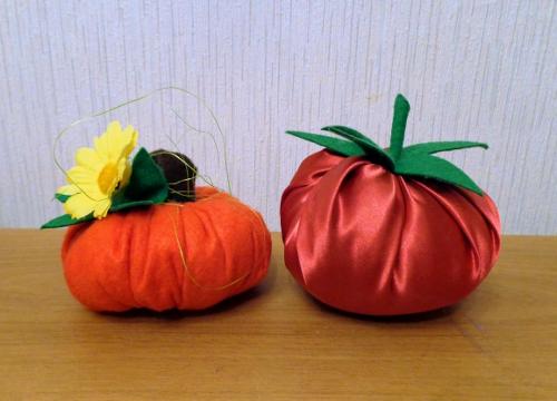 помидор и тыква из ткани