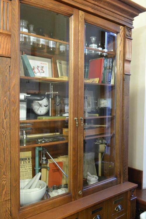 интерьер старой аптеки