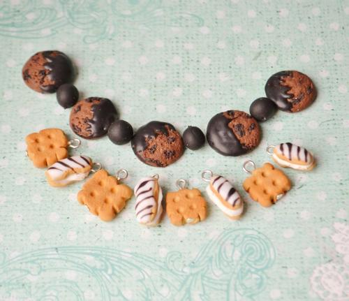 шоколадное и галетное печенье из полимерной глины