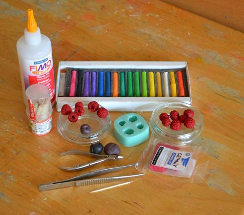 как сделать ягоды из пластики
