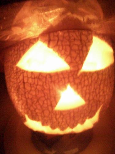 хэллоуинский фонарь из дыни